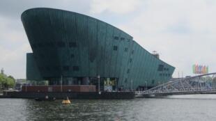"""""""Немо"""" - новое здание Морского музея в Амстердаме"""