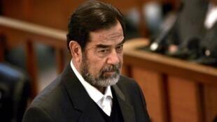 در ۳۰ دسامبر ۲۰۰۶ صدام حسین به جُرم جنایت علیه بشریت به دار آویخته شد.