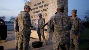 Entrada da base militar de Fort Hood, no estado do Texas, que foi palco de um tiroteio.