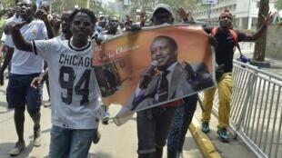 肯尼亞反對派領導人奧廷加(Raila Odinga)支持者在最高法院宣布8月總統大選結果無效後走上街頭歡呼勝利 2017年9月1日