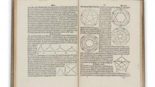 El primer manual de geometría publicado en francés, por Charles de Bovelles, 1511.
