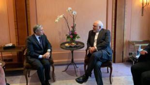 فرانسوا فیلیپ شامپانی، وزیر امور خارجۀ کانادا، در پی مذاکرات خود با محمد جواد ظریف، تاکید کرد که وی «در بارۀ ایران براساس حرفهای [مقامات این کشور] داوری» نمیکند، بلکه «در انتظار اعمال آنان» است.