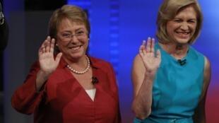 Michelle Bachelet, (g) et Evelyn Matthei, les deux candidates à la présidentielle chilienne de 2013.