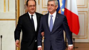 Президент Армении Серж Саргсян (справа) и президент Франции Франсуа Олланд на пресс-конференции в Елисейском дворце, 8 марта 2017.