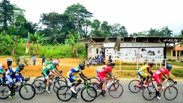 Le peloton de la Tropicale Amissa Bongo lors de la 15e édition en janvier 2020.