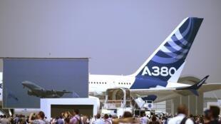 A Emirates Airlines é a maior operadora mundial do A380.
