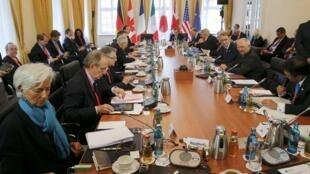 Vấn đề nợ Hy Lạp được nêu ra trong cuộc họp các Bộ trưởng Tài chính G7 tại Dresden, 28/05/2015.