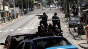 Operação policial contra traficantes de drogas na Cidade de Deus, dia 1° de fevereiro de 2018, no Rio de Janeiro.
