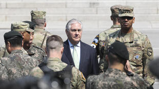 Le secrétaire d'Etat américain Rex Tillerson entouré de Marines, dans le village frontalier de Panmunjom, entre les deux Corée. (Photo d'illustration)