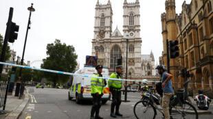 Ataque em frente ao Parlamento em Londres é investigado como ataque terrorista