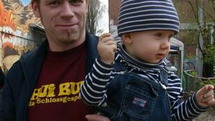 Père et son enfant.