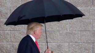 Trump llegando a Tampa, en Florida.
