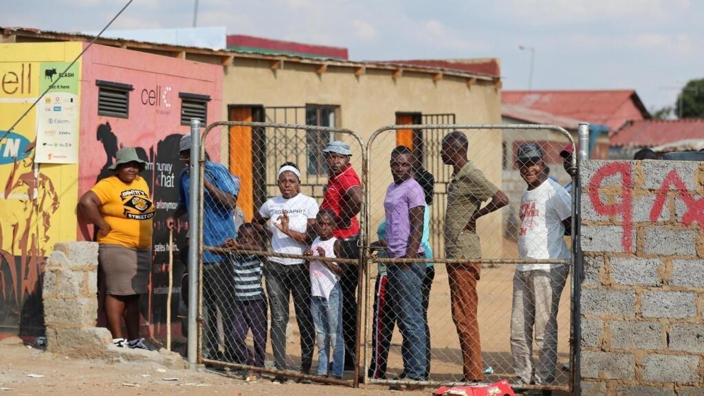 Confinement: en Afrique du Sud, un juge estime certaines restrictions contraires à la Constitution
