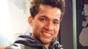 Ivan Adriano en los estudios de RFI