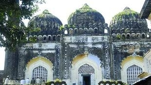 Babri mosque before demolition