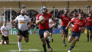Le rugbyman espagnol Thibaut Alvarez, au premier plan.