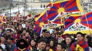 海外藏人在習近平訪法期間舉行抗議2019年3月24日巴黎人權廣場