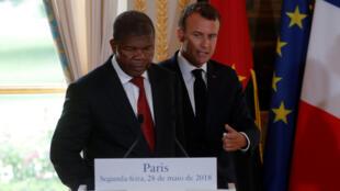 O Presidente angolano, João Lourenço, no Eliseu, com o presidente francês, Emmanuel Macron.