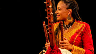 Sona Jobarteh, le 23 juin 2019 en concert à New York.