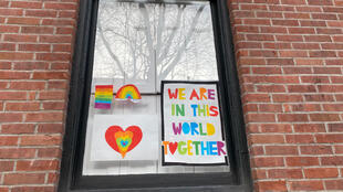 USA famille enfant confinement Quarantine Rainbow Project in Brooklyn New York