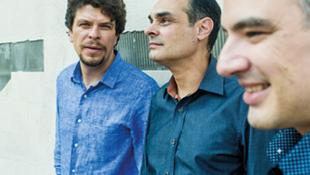 O Trio Corrente se apresenta no Duc des Lombards, em Paris