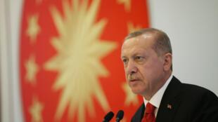 Turkish President Tayyip Erdogan addresses businessmen in Trabzon, Turkey August 12, 2018.