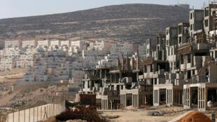 Colônia judaica Givat Zeev nos arredores de Jerusalém