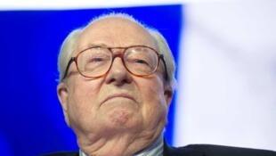 Líder histórico da Frente Nacional, Jean-Marie Le Pen trava, há meses, uma guerra contra a filha, Marine Le Pen.