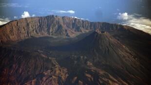 """Vulcão do Fogo mantém """"oscilação estável"""""""