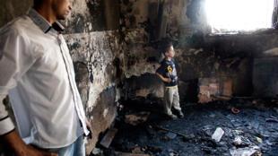 Foto da casa incendiada da família Dawabcheh, na Cisjordânia, onde Ali, um bebê palestino de 18 meses, morreu queimado no último dia 31 de julho.