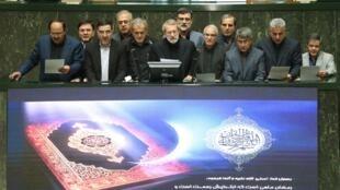 صحن علنی مجلس شورای اسلامی ایران. یکشنبه ٢۶ مه/ ۵ خرداد ١٣٩٨