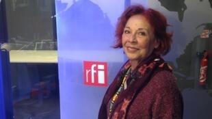 A cineasta pernambucana Katia Mesel nos estúdios da RFI em Paris