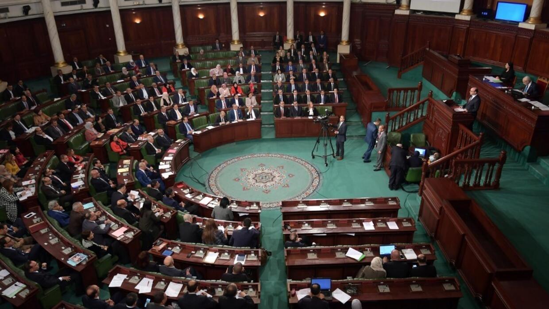 Tunisie: le gouvernement Fakhfakh obtient la confiance des députés, pas un blanc-seing