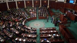 L'Assemblée (ou Parlement) tunisienne réunie en session plénière pour voter la confiance du gouvernement, le 26 février 2020.