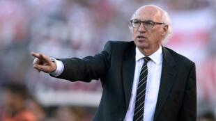 El entrenador argentino Carlos Bianchi.