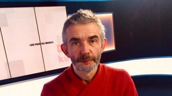 Le journaliste et écrivain Philippe Lançon, en studio à RFI en décembre 2019.
