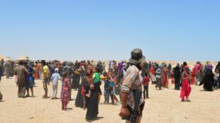 Los habitantes de Faluya huyen de los combates, el 26 de mayo de 2016.