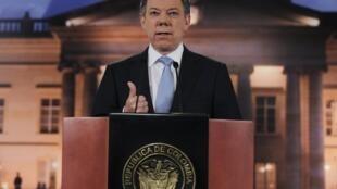 """Alocución en T.V. del presidente Santos anunciando """"diálogos exploratorios"""" con las FARC, el pasado 27 de agosto de 2012."""