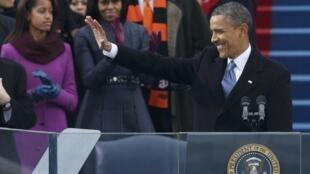 O presidente americano, Barack Obama , presta juramento no Capitólio, em Washington, nesta segunda-feira.
