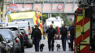 Cảnh sát Anh và xe cứu hỏa trước trạm xe điện ngầm Parsons Green-Luân Đông ngày 15/09/2017.
