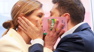 Кандидат в президенты Украины Владимир Зеленский и его жена Елена