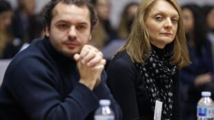 Rachel, mulher de Vincent Lambert e seu sobrinho, François, durante audiência na Corte Europeia dos Direitos Humanos