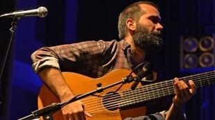 O violonista Daniel Marques trocou o Rio de Janeiro por Berlim há quatro anos.