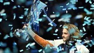 Греческий теннисист Стефанос Циципас обыграл в финале Итогоого турнира ATP Доминика Тима