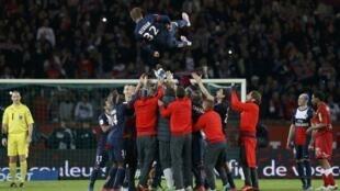 Festa dos jogadores do PSG no sábado, 18/05/2013, no Parque dos Príncipes.