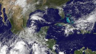 Foto de satélite da Nasa mostra imagens do furacão Patrícia