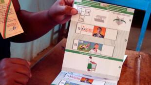 Le bulletin de vote lors du second tour de la présidentielle à Madagascar, le 19 décembre 2018.