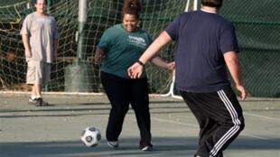 L'obésité, qui n'est plus seulement un problème des pays riches, a triplé depuis 1975 à l'échelle de la planète.