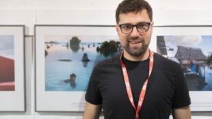 Vlad Sokhin mostrou em suas fotografias como o aquecimento global afeta a paisagem e a vida da população.