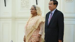 លោកនាយករដ្ឋមន្ត្រី ហ៊ុន សែន និង លោកស្រី សេក្ខ ហាស៊ីណា (Sheikh Hasina) នាយករដ្ឋមន្ត្រីបង់ក្លាដេស